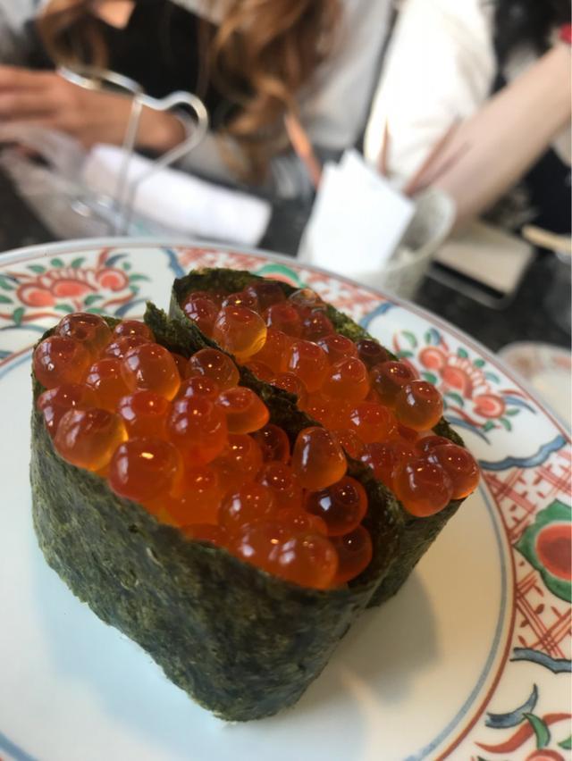 画像: 回転寿司の壁!!