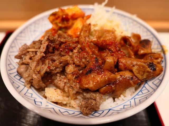 画像: 阪神スナックパークにオープンした尼崎の名焼肉店プロデュースの焼肉丼はお肉もタレも病みつき系の美味しさです! 梅田 「牛焼 みらく」