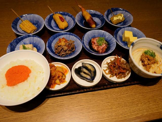 画像: あれこれたくさん食べられる人気の彩りご膳がさらにお得にパワーアップしました! 京都ポルタ 「串かふぇ 凡凡屋」