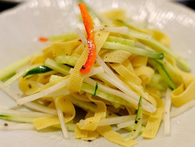 画像: 「西永福 香港料理 蘭のよだれ鶏、茄子の塩コショウ風味」