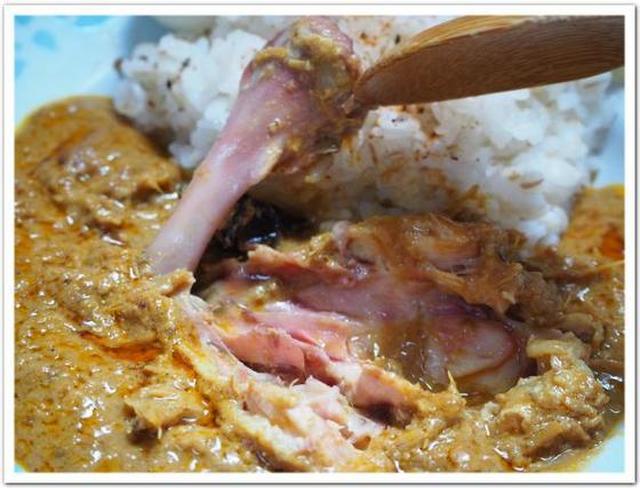 画像: カレーですよ4493(レトルト マレーシアカレー 骨つきチキン入 ルンダン)「馬来風光美食」のエレンさんが監修。