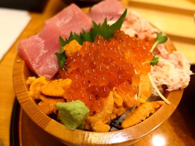 画像: 北海道産の高級雲丹がたっぷり乗った贅沢なうに丼がとてもリーズナブルにいただけます! 福島区 「ねた市 福島店」