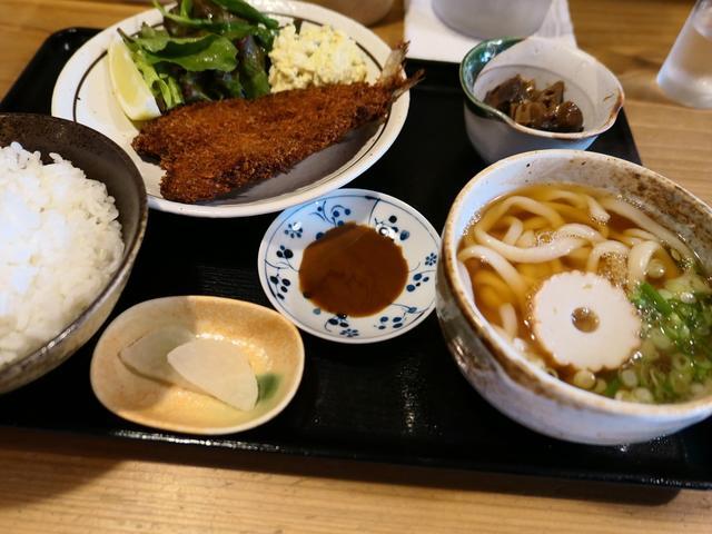画像: 町家風の居心地の良い空間で食べごたえ満点のサクサクふわうわとびうおフライ! 谷六 「御食事処 きんぐ」
