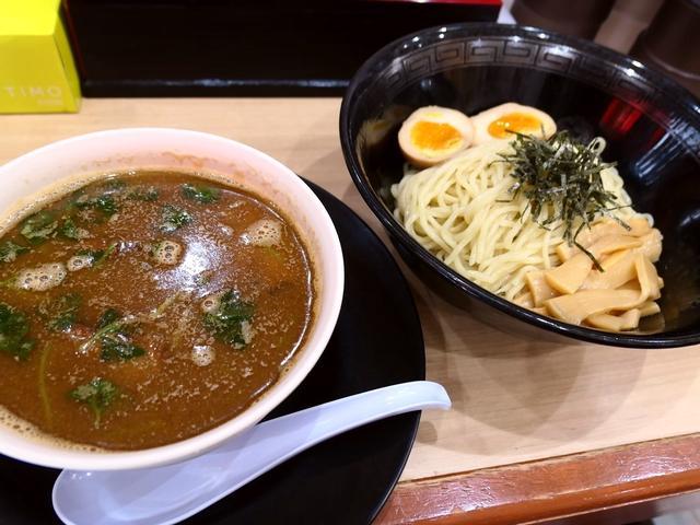 画像: 絶品の濃厚豚骨スープにイリコを加えた独自の魚介豚骨つけ麺は感動的に旨かったです! 大正区 「中華そば 花京 大正店」