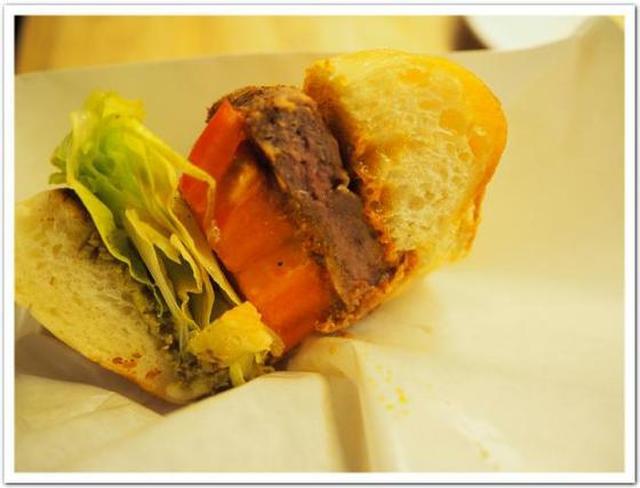画像: カレーですよ4511(北参道 E・A・T)カレー美女と一緒にハンバーガー、と思いきや。