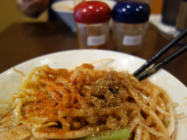 画像: 【福岡】基本大盛!自家製ねじれ極太麺のまぜそば♪@汁なし専門 男のLL