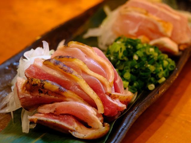画像: 「渋谷 円山町 巖(いわお)の鶏モモむねタタキ」