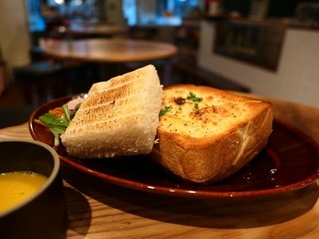 画像: パン好きにはかなり満足感が高いパングラタンランチが登場! 西区京町堀 「グローブピッコラ」
