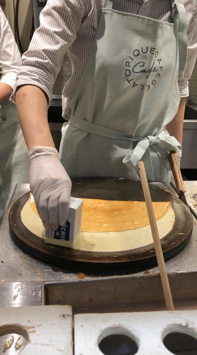 画像: ジェラート ピケ カフェ クレープリー・バターとお砂糖のクレープ