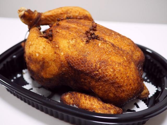 """画像: 今年もこの季節になりました!クリスマス限定!本格高級中華の味わいの絶品ローストチキン! """"大山鶏の香り蒸し"""" 心斎橋 「大成閣」"""