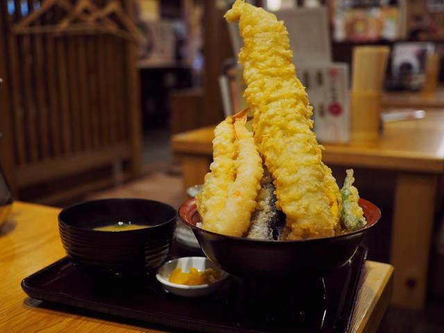 画像: 揚げたての熱々サクサクの絶品天ぷらをアテに昼飲みが楽しめます! 富田林 「天ぷら海鮮 五福 富田林店」