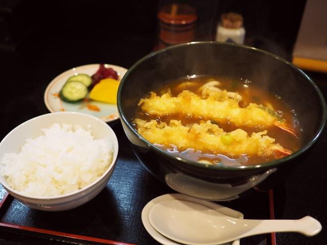 画像: お出汁がよ~く効いた名物カレー天ぷらうどんはしみじみ美味しくて体の芯から温まります! 日本橋 「御食事処 あさひ」