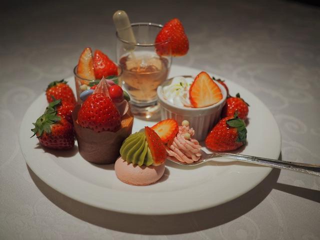画像: 美味しさと可愛らしさと驚きが詰まった感動のストロベリーブッフェ! ザ・リッツ・カールトン大阪 「スプレンディード」