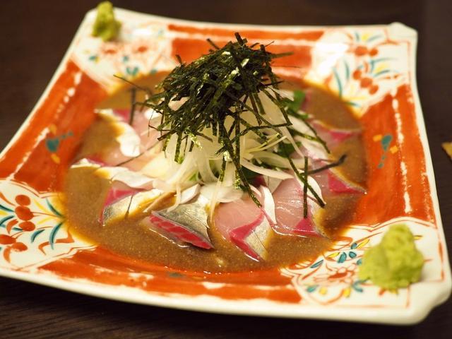 画像: 唐津直送の鮮度抜群の魚介類がリーズナブルにいただける地元で人気の居酒屋! 福岡県中央区 「からつ酒場 海もぐら」