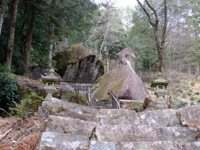 画像: 「岐阜県飛騨金山 鶏ちゃんランチと古代人の天文台?金山巨石群」