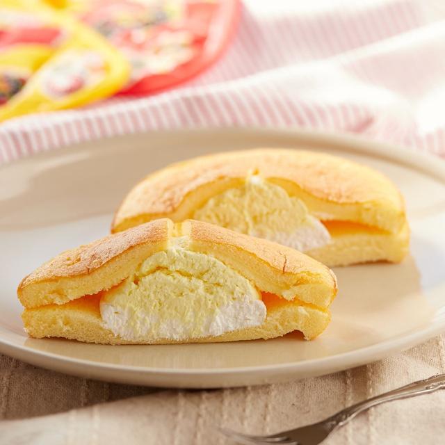 画像: ファミリーマート・ダブルクリームサンド(チーズ)