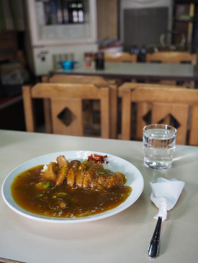"""画像: 京都の老舗食堂のいつ食べても変わらぬ味の名物 """"皿盛"""" は昭和の懐かしさが漂う味わいです! 京都市東山区 「篠田屋」"""