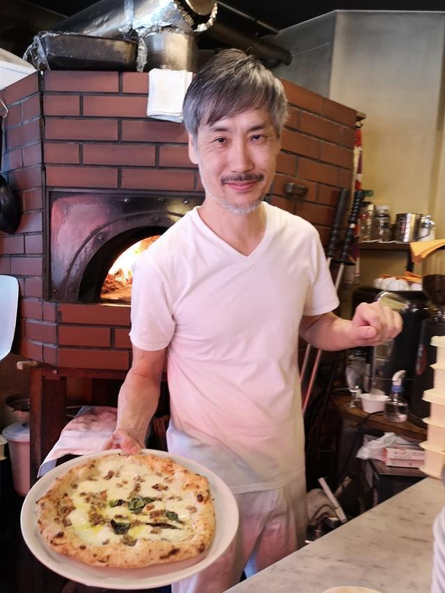 画像: 三軒茶屋イルピッツァイオーロでポルケッタのピッツァ!