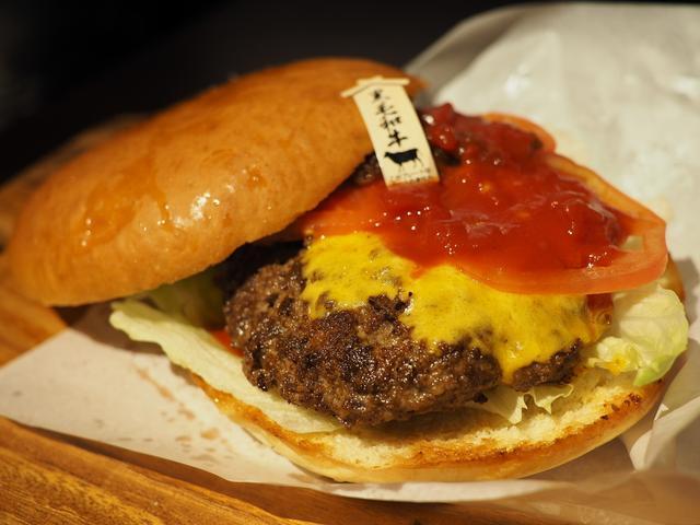 画像: 大人気肉料理店『肉ya!』プレゼンツ!厳選和牛100%のジューシーパテとこだわりバンズの絶品ハンバーガーショップがオープンしました! 中央区島之内 「ニクヤ バーガーズ」