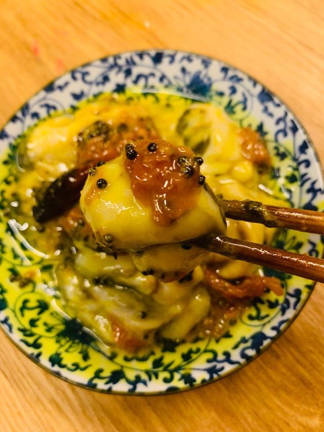 画像: 牡蠣と梅干しの生アチャール。