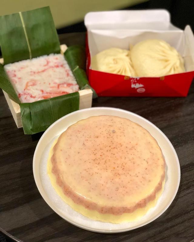 画像: 金沢市役所近くの『あげは』という海鮮ねりものの定食が食べられる行列店の「香箱蟹の海鮮ケーキ」と「甘えびの海鮮ケーキ」を博史くんが頼んでくれていたので、それを買って、金沢駅で「ますのすし」で有名な『源』で「かにすし」を買って、サンダーバードで移動して、...