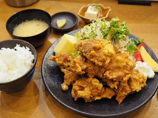 画像: 凄まじいボリュームの唐揚げ定食は美味しくてお腹いっぱいになって満足感が高すぎます! 福島区 「料理処 河春」