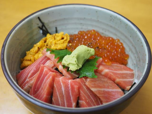 画像: 市場の魚屋さんの2階で贅沢な朝ごはんが楽しめます! 福岡市中央区 「柳橋食堂」