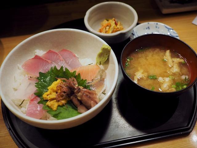 画像: 市場内の人気居酒屋でちょっと贅沢な朝ごはん! 福岡市中央区 「博多魚がし 市場会館店」