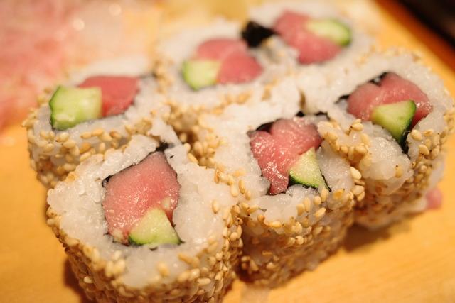 画像: 【長岡】常連さんの愛で溢れる地元の鮨店。オリジナルのうらまきは是非食べて「鮨芳」