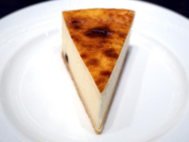画像: チーズケーキパラダイス!・新宿 オールデイダイニング<樹林> ジャーマンチーズケーキ