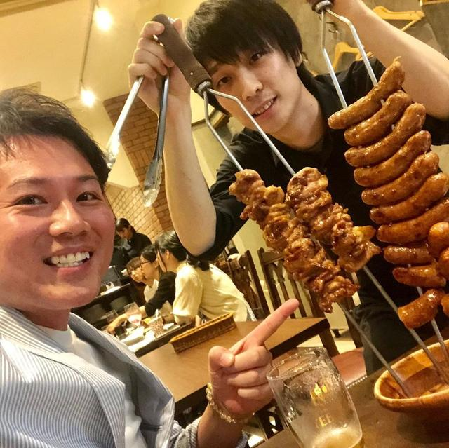 画像1: 3500円でグラスフェッドビーフ食べ放題! ソーセージもローストチキンも美味い。 正直、都内でここまで良質なお肉をお腹いっぱい食べられるお店はあまり無いと思う。 さすが、店名に「肉塊」とついてるだけはある。 #東京グルメ #恵比寿グルメ #虎ノ門グルメ #溜池山王グルメ #youtube #youtuber #ユーチューバー #わっきーtv #わっきー #食レポ #飯テロ #肉塊 #肉塊uno #肉食べ放題 #グラスフェッドビーフ #牧草牛 #ローストチキン #イチボ #ランプ肉 #リングイッサ www.instagram.com