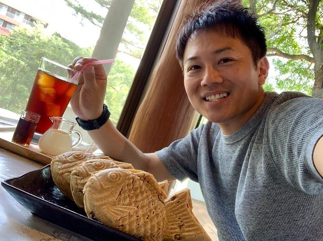 画像: 日本でここでしか食べられない、たい焼きを食べてきました! 小麦粉は使わない、グルテンフリー、砂糖じゃなく甜菜糖使用。 そして、店主が猫大好き! 博多から少し遠かったけど、美味しかった アイスコーヒーはその日の水出し #福岡グルメ #博多グルメ #yo...