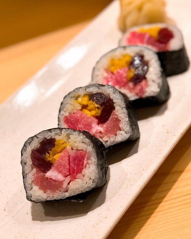 画像1: 【2019年寿司31軒目『すし好』Jun.19】  成田空港第二ターミナルに先週の金曜日にオープンした『築地 すし好』で「極上すし好巻き」美味しいな〜!  #すし好 #寿司 #鮨 #sushi #具義寿司2019 www.instagram.com