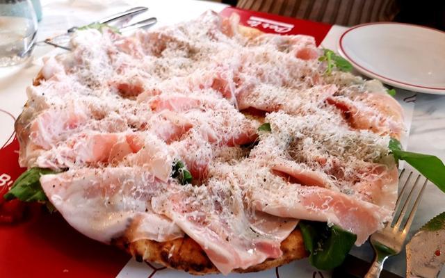 画像: 稲毛「ペルテ」で肉肉しいピッツァ!