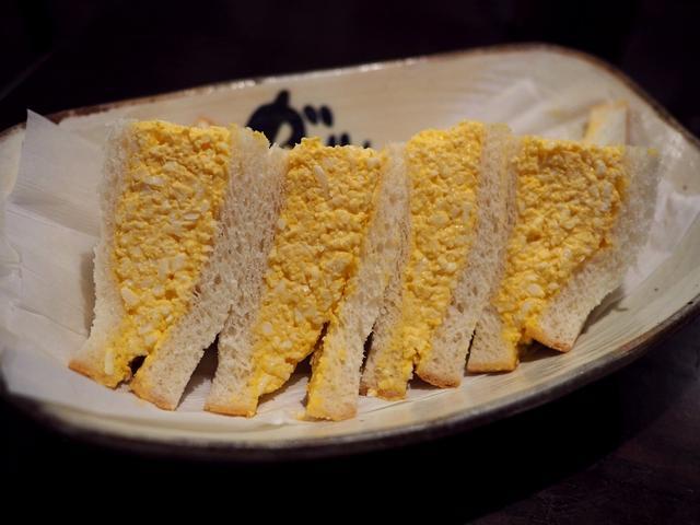 画像: しっとりふわふわの玉子がた~っぷりサンドされた玉子サンドは満足感が高いです! 吹田市 「ガルル珈琲」