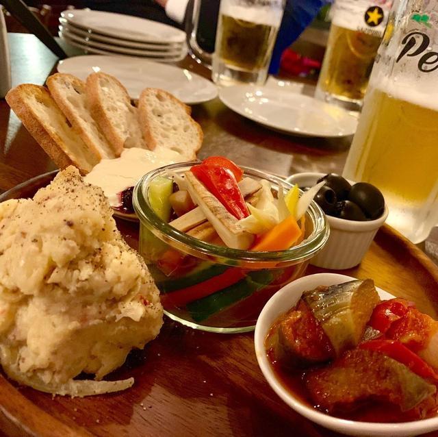 画像: 箸でがっつり食べる「イタリアン酒場PePe」へ。 神楽坂では珍しいコンセプトのお店がオープン。 一品一品の量が多いのも嬉しい! #東京グルメ #神楽坂 #神楽坂グルメ #youtube #youtuber #ユーチューバー #わっきーtv #わっきー...