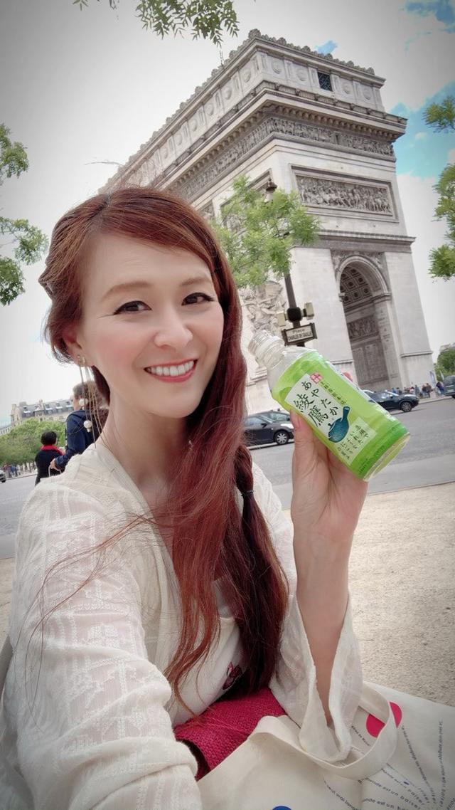 画像: そして、パリに飛んで来ました。パリでも「綾鷹」飲んでます❤︎