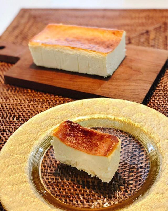 画像1: 今までは「ミスターチ」で思い浮かぶのは「ミスターチルドレン」でしたが、これからは「ミスターチーズケーキ」になっちゃうんじゃないかというくらい、衝撃的に美味しかった!!! 自分チーズケーキ史上、一番です!!!  田村浩二シェフ、天才!!!  #ミスターチーズケーキ #mrcheesecake #田村浩二 #具義スイーツ2019 www.instagram.com