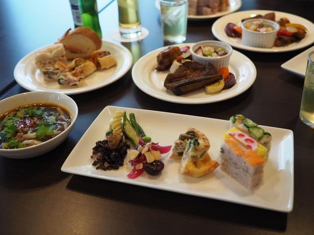 画像: 様々なデリカテッセンと高級スイーツが全て食べ放題でびっくりするほど安い超お得なホテルのランチビュッフェ! 京都タワーホテル 「タワーテラス」