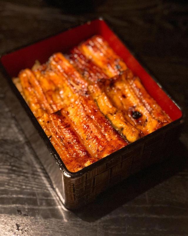画像: 環境省のツイートを見ていたら、無性に鰻が食べたくなって、ちゃんと予約して、浜松の名店の『うなぎ 藤田』白金台店で、うなぎなう。 うな重(特山)、ふわ〜っふわっで、めちゃくちゃ美味しかった〜!!! ふわとろのう巻、 レモン塩で食べる白焼も美味しかったけ...