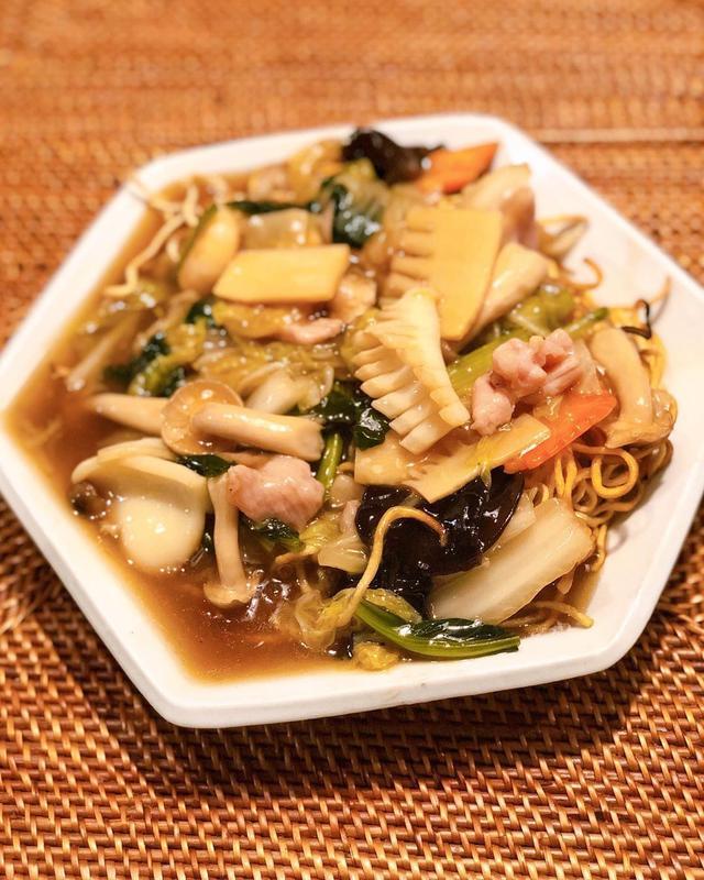画像: Uber Eats で、欧陽菲菲の妹さんが経営する代官山『美味飲茶酒楼』。 ここの餡掛け焼きそばが大好きで、それがUber Eats で食べられるなんて嬉しすぎ! カレー味のシンガポール風焼きビーフンもかなり好きだった! その他、炒飯、豚肉のシ...