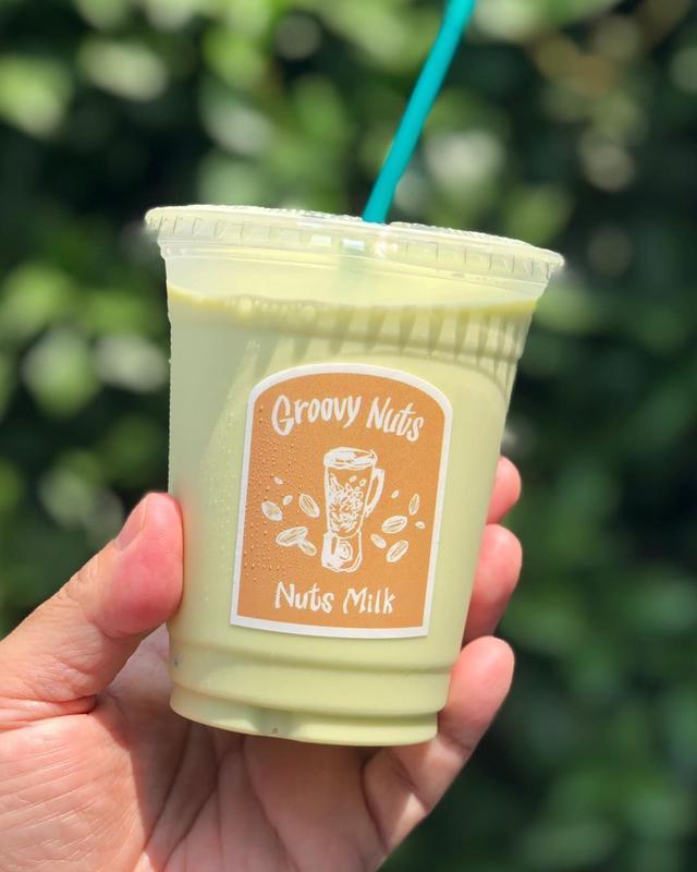 画像1: ファスティング回復ドリンク。  中目黒『グルービーナッツ』の「ピスタチオミルク」美味し〜! ピスタチオだけで作っているそう。 ピスタチオの塩味がとっても良い!  #グルービーナッツ #groovynuts #ナッツミルク #nutsmilk #グギエット www.instagram.com