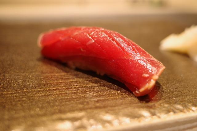 画像: 【西麻布】上質空間でしっぽりデートや会食に。名店出身の大将が作り上げる極上の鮨コース「鮨葵」