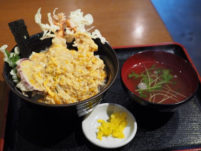 画像: しみじみ旨いお出汁がよ~く染みたフワトロ玉子が天ぷらを包み込んだ絶品天とじ丼! 梅田 「みす美」