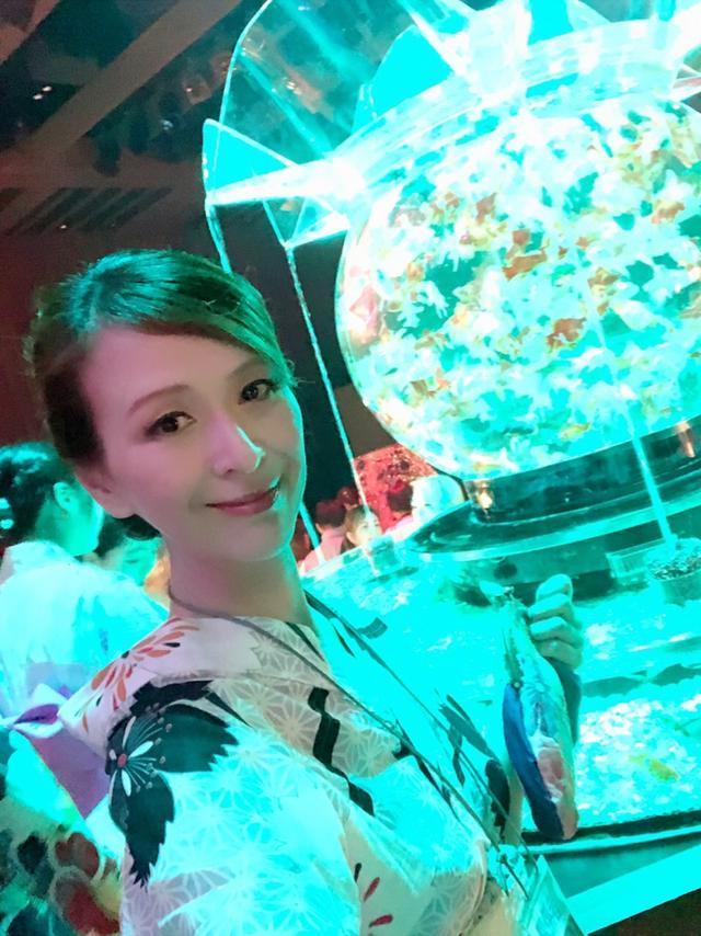 画像: 過去最大!1万匹の金魚❗️アートアクアリウムへ/ 堂島ロール限定!「更紗金魚ロール」がおいしい〜