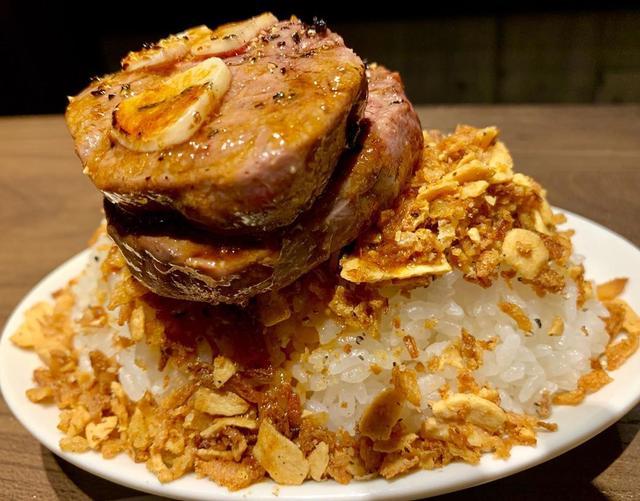 画像1: 久々に牛角で一人焼肉。 メニューだいぶ良くなってるね。 上ロース790円は安すぎ。 ウルグアイ産のグラスフェッドビーフが柔らかくて美味かった! #牛角 #牛角食べ放題 #一人焼肉 #上ロース #グラスフェッドビーフ #焼肉 #肉食系 #肉食系女子 #youtube #youtuber #ユーチューバー #わっきーtv #わっきー #食レポ #飯テロ #飯テログラム #飯テロ動画 www.instagram.com