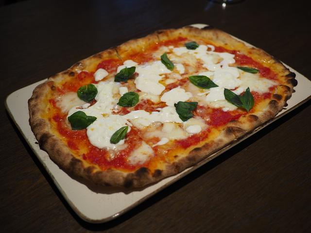 画像: イタリアから冷蔵空輸で取り寄せる本物のフレッシュモッツァレラチーズを始めとしてあらゆるチーズ料理が絶品です! ハービス PLAZA ENT 「オービカ モッツァレラバー 梅田店」
