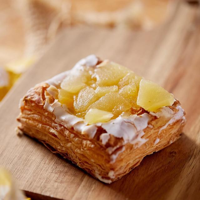 画像: コンビニスイーツ・ファミリーマート 冷やして食べるしゃきしゃきりんごのアップルパイ