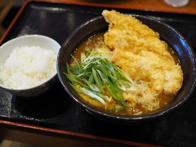 画像: うどんもお出汁も天ぷらも全てがハイレベルなうどん店は移転後も大人気で大行列です! 大国町 「手作りうどん 天粉盛」