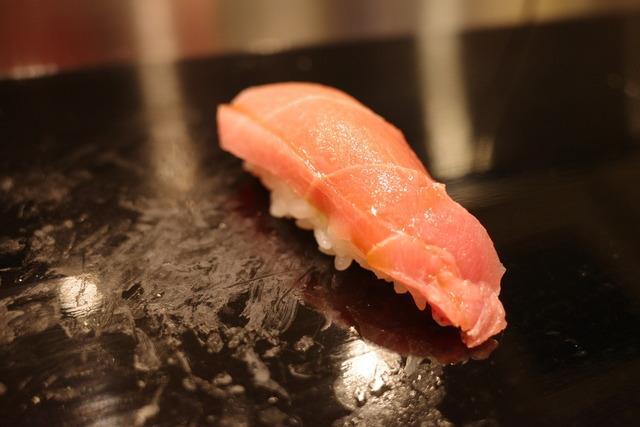 画像: 【高輪台】確かな腕の大将が作り上げる確かな味。地元で愛されるアットホームなお鮨屋さん「鮨 子史貴」